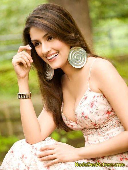 Aarti Chhabria Nude 19