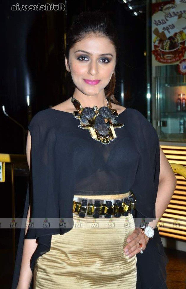 Aarti Chhabria Nude 14