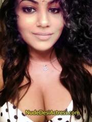 Annie Khalid Nude