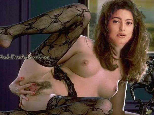 Juhi Chawla Nude.