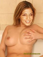 vijay tv anchor bhavana Nude