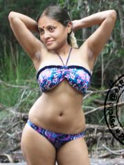 Aunty Saranya Ponvannan in bra n panties