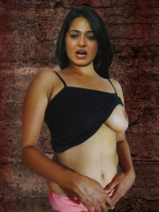 Nude Anushka Shetty pregnant