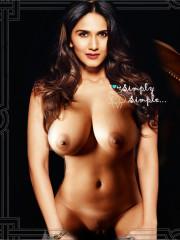 Vaani Kapoor Nude