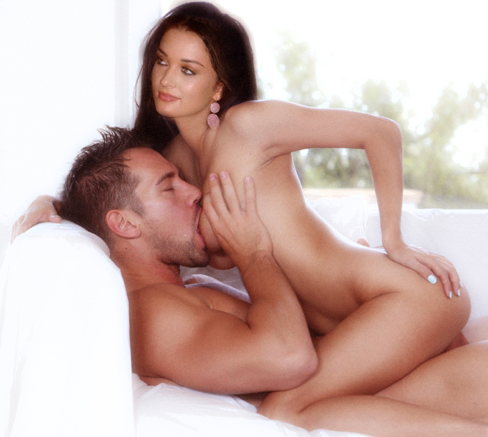 Jackson nude amy Amy Jackson
