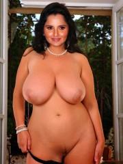 Nude Sania Mirza Shows her Big Boobs_05