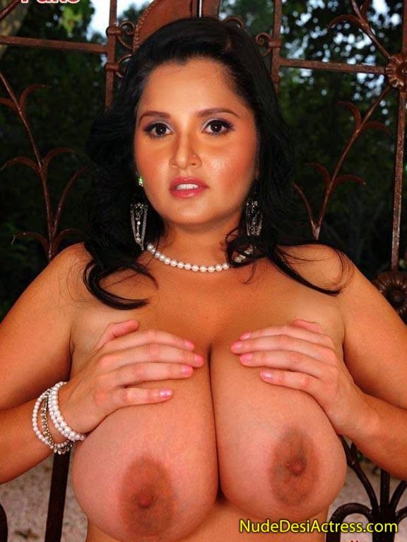 Nude Sania Mirza Shows her Big Boobs