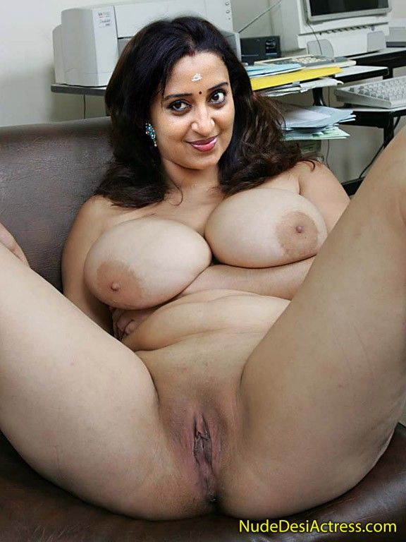 Nude Sona Nair Spreading legs showing pussy in web cam chat