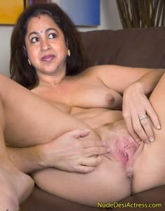 Radhika aunty shaved pussy fake