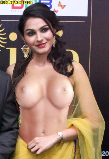 Nude navel Andrea Jeremiah hot boobs in saree without blouse