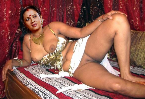 Naked tamil aunty Lakshmy Ramakrishnan nude pussy juicy boobs