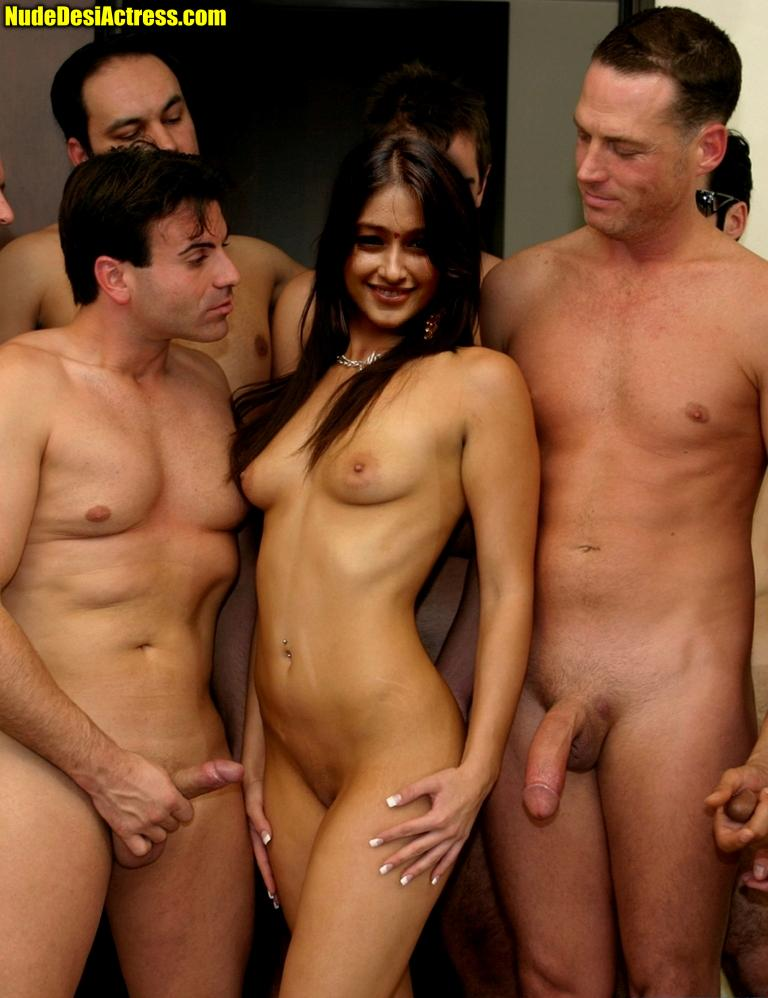 Naked ileana heroine boobs photos