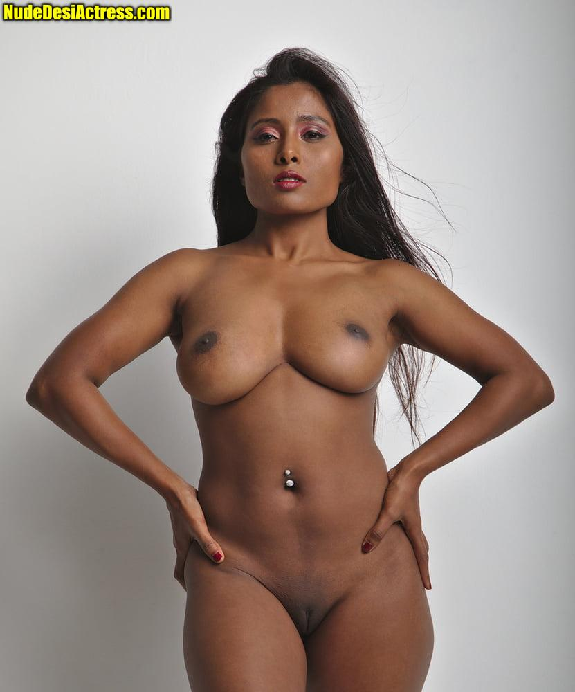 Kiara Advani nude 8