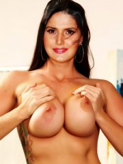 full-nude-zareen-khan-pressing-her-boobs-naked-without-bra