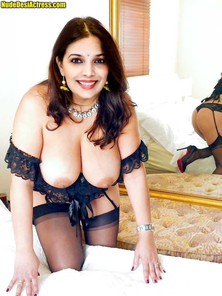 Shilpa Tulaskar big boobs juicy without bra naked ass exposed
