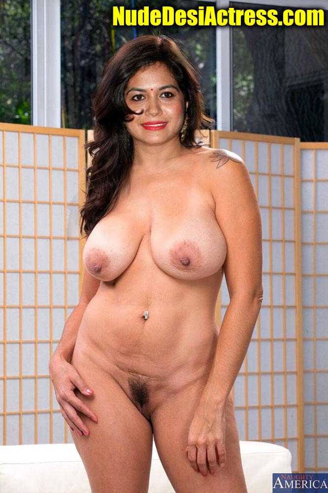 Full nude Singer sunitha naked sexy body pose uncensored